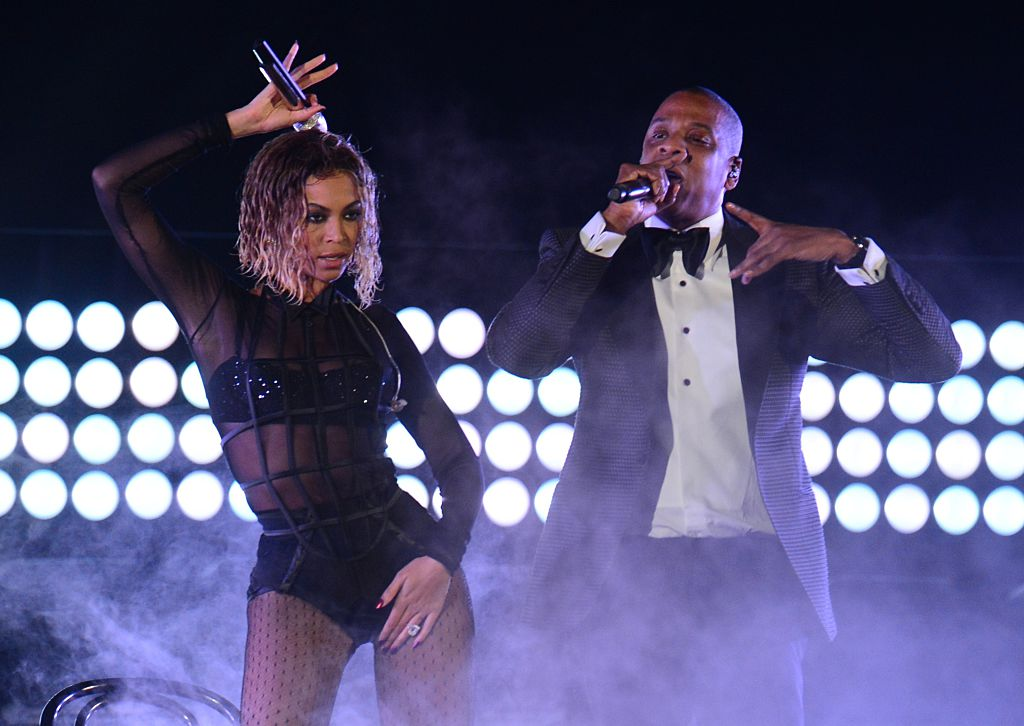 Beyonce-knowles-and-jay-z-perform-at-the-56th-grammy-awards-january-26-2014